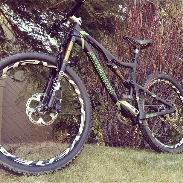 Meet the newest member of the family... Ain't she a beaute? #santacruzbicycles